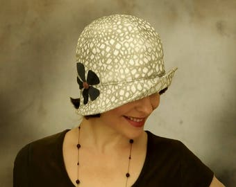 Eleanor - 1920s Cloche Summer Hat for Summer Custom Size White and Olive with Asterisk Flower Accent
