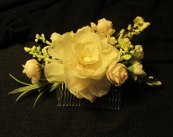Beautiful Ivory Flowers Hair Comb, Wedding, Maid of Honor, Prom, Special Occasion