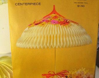 "Vintage Hallmark Plans-a-Party Honeycomb Centerpiece ""Umbrella"" 18 1/2"", Spring Wedding or Baby Shower"