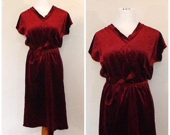 Vintage 1970s Garnet Red Day Dress Mini Shirt Dress Size Small Boho 40s Dress Velvet Party Dress Minimalist Fall Winter Dress Red Velour
