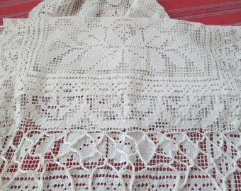 Vintage Pineapple Crochet Tablecloth Handmade Lace 80 Inch