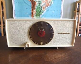 Vintage Art Deco General Electric Clock Radio - Clock Works Radio Needs Repair