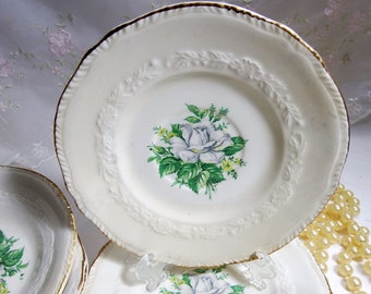 Vintage // Crown Potteries // Pattern CRP134 // White Rose and Yellow Flowers // 8 Piece Set