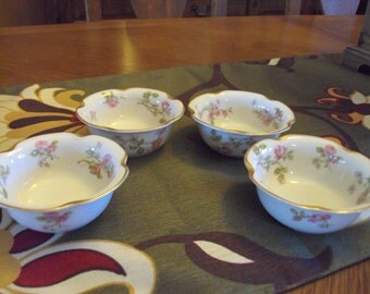 4 Haviland & Co Limoges Fine Porcelain Berry Bowls