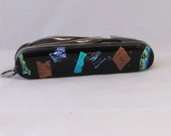 Fused Glass Pocket Knife, 5 points to open, Dichoric Glass