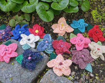 Hand-knit flower clips   colorful blooms to clip   summer blossoms in many colors   hand knit posies