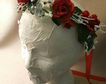Winter Holiday Red Rose Crown