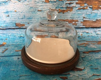 Cheese or desert glass domed tray