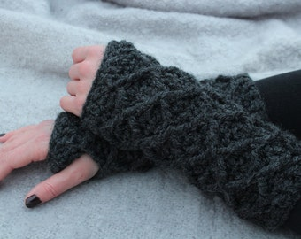 Crochet Pattern Fingerless Gloves Wristers PDF: Jade Wristers