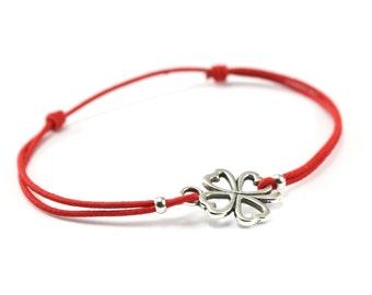 Bracelet red cord clover