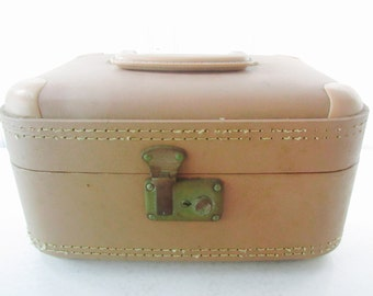 Vintage train case, vintage luggage, travel case, overnight bag, cosmetic bag, peach, tan, Italy, storage , case,