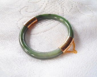 Asian Green Bracelet Bangle with Gold Metal tone