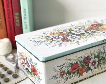 A pretty vintage Nabisco Frears Biscuit tin