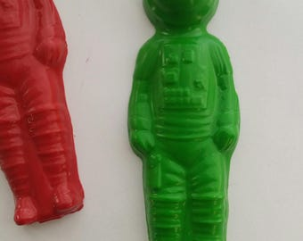 Party favors - birthday party - space men- 12 astronauts crayons - recycled handmade crayons