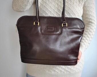 Vintage YORN leather handbag , women's shoulder bag .............(063)