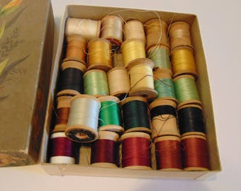 Vintage Sewing Thread In Vintage Card Box