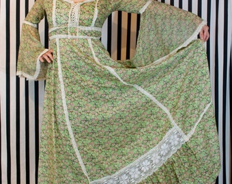 70's Pale Green Full-length Floral Peasant Dress w/ Angel Wings - SMALL