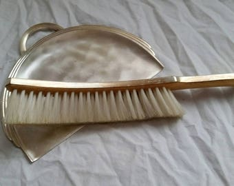 Ikora Crumb Tray with Brush, Silent Butler