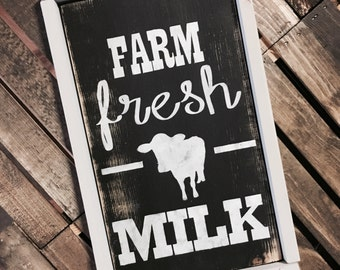Farm Fresh Milk / Farm Fresh / Farm House Kitchen / Farm House Style / Farm House Decor / Cow Decor / Cow Sign / Kitchen Sign