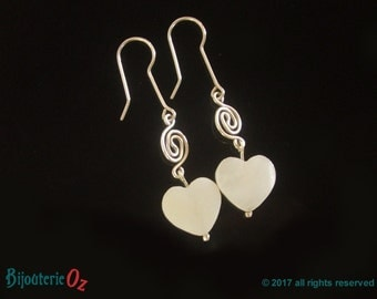 Hearts and Swirls earrings, heart shaped shell and yin and yang earrings handmade by BijouterieOz