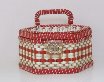 Woven Basket, 1960s Sewing Basket, Satin Lined Case + Pincushion, Hexagonal Vintage Basketry, Collectible Natural Weaving Sewing Organizer