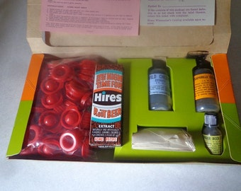 Hires soda junior bottlers kit,unused in the box dated 1972
