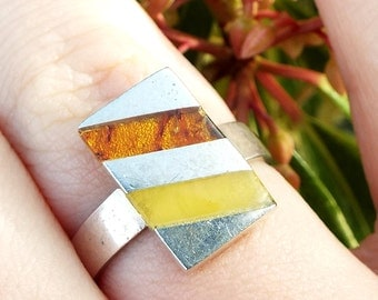 Vintage / Sterling Silver Signet Style Two Tone Amber Inlay Ring / Size P 925