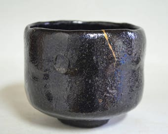 Tea bowl 6067K, Black raku, box, kintsugi