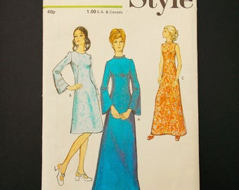 Style vintage sewing pattern, size 12, Style 3361, 1971's dress pattern, sewing supplies, Style vintage, mod pattern, Mad men dress.