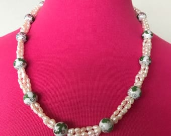 SALE 1950s Genuine Pearls And porcelain Necklace