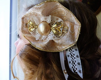 Hair clip, light pink, romantic, lace and vintage jewellery