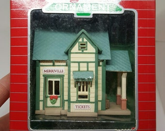 After Christmas Special~Vintage Hallmark Train Station Lighted Ornament 1987