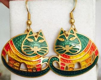 Vintage Adorable Edgar  BEREBI Vintage Cat enamel articulated drop Earrings Really nice
