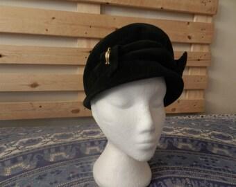 ITEM Of The WEEK - SALE - Vintage Accessory - 1950's Evergreen Hat - Harrods Velvet Felt Fez Style Hat - English Fashion - Small to Medium