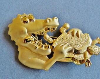 JJ Jonette Manwich Sandwich Dragon Lunch Brooch Pin