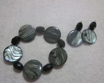 Gray with Black Swirl Bracelet & Earring Set