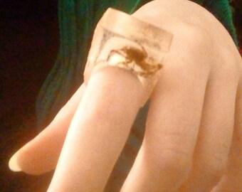 Resin spider ring