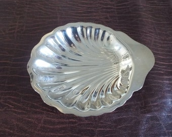 Silver Colored Shell Dishes  Vintage Serving Oneida Silversmith, Nut dish, Downton Abbey, Victorian Gift under 10