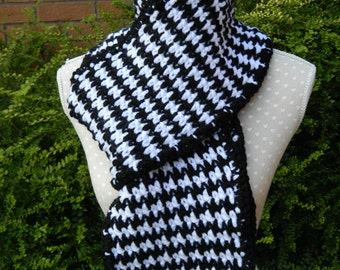 Crocheted Scarf in Black and White Houndstooth