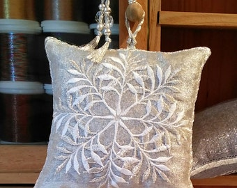 Embroidered  Lavender Pouch, LEAFY SNOWFLAKE, Weddings, Christmas, Gifts, Winter white, Seasonal gift, Host gift,Birthday.