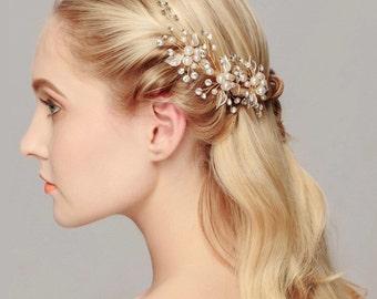Flower hair pin, Pearl hair pin, babies breath, babies breath hair pin, pearl pin, wedding hair pin, wedding hair