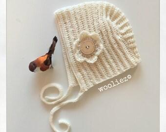 Crochet baby bonnet - baby hat - merinowool - wool - white
