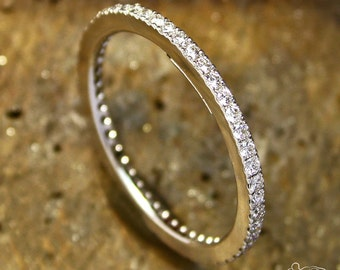 Eternelle white gold ring with diamonds