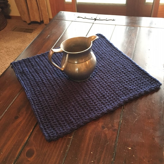 Simple Square Table Scarf -- a loom knit pattern
