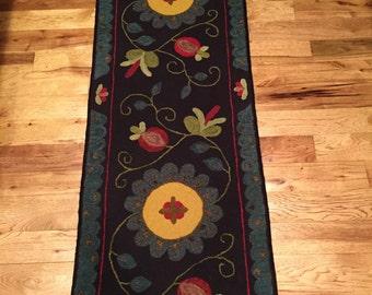 """Hand hooked rug """"Dottie's Garden"""""""