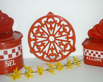 Vintage French red Enamel Covered Cast Iron Trivet enamelware Kitchen table Mother's Day Gift ?