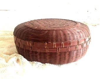 "Vintage Round Woven Sewing Basket with Lid, 12"" Brown Basket, Storage Basket, Vintage Sewing Supplies"
