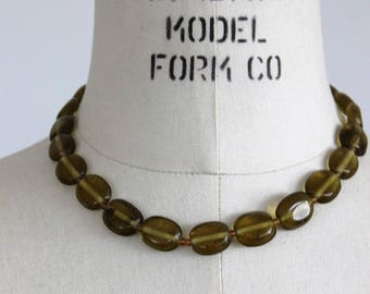Vintage 1950s Green Glass Bead Necklace / Beaded Choker Jewelry / Olive Green / Adjustable Chain Necklace