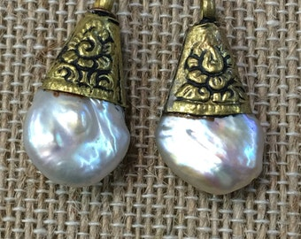 Natural coin pearl drops(2pc)