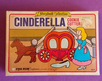 Vintage Storybook Collection Cinderella Cookie Cutters Made in USA